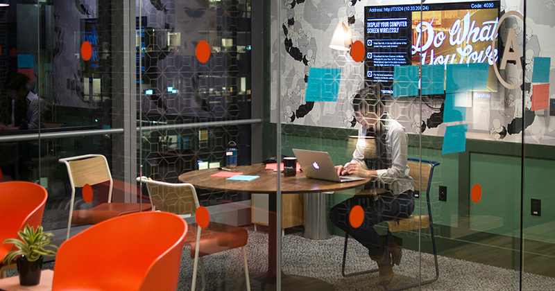 WeWork_SF_interior_(23119290411).jpg